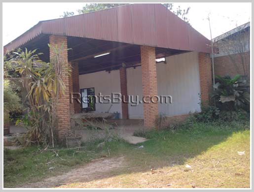 Ware house close to main road in the city for rent