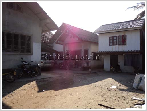 4 houses on 700m2 land in one price