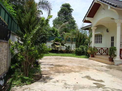 ID 1- Modern house for rent Vientiane