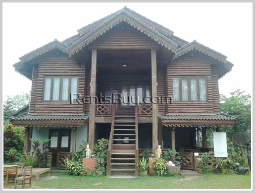 Unique Lao wooden house by Song River