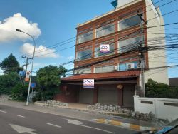 ID: 4555-Building/Office by main road of kaisone road for rent