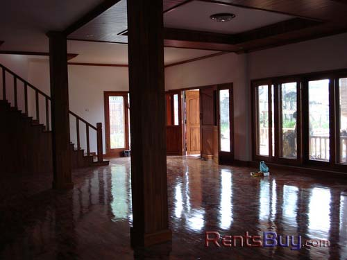 ID: 32 - Brand new Lao traditional house