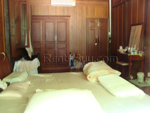 ID: 460 - Lao style house near Mekong River for rent
