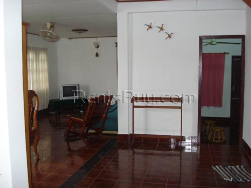 ID: 513 - Lao style house in expat area