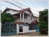 ID: 861 - House with 8 rooms in business area