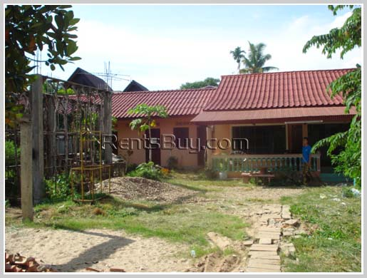 House with 3 units of apartment for sale