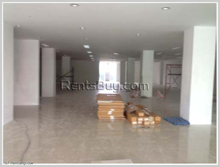 ID: 2712 Commercial space for rent in business area