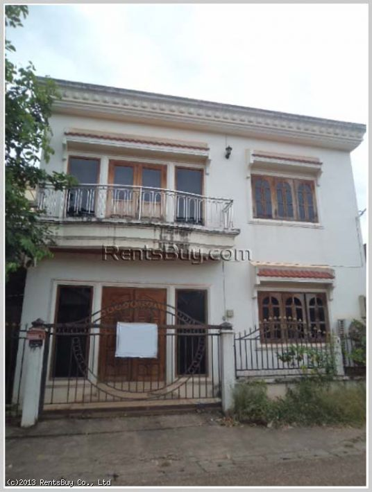 ID: 2270 - Nice House near That Luang Stupa