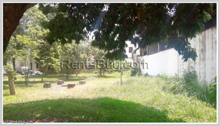 ID: 3607 - House with large garden and near main road for rent