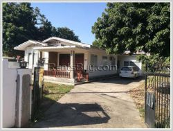 ID: 4262 - Spacious house in town close to Patuxay for rent