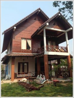ID: 3164 - Lao style house with large yard for rent in Diplomatic Area.