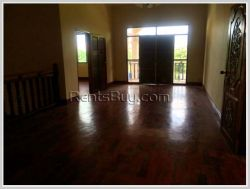 ID: 2162 - Modern house by main road with large parking space for office