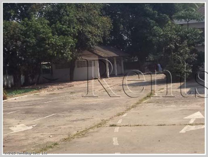 ID: 1930 House for rent in diplomatic area near college