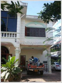 ID: 4105 - New modern house close to Sapanthong market for rent