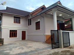ID: 4560-New house by concrete road near Angkham hotel for rent