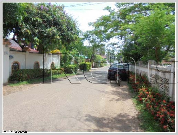 House for sale in center by mekong river