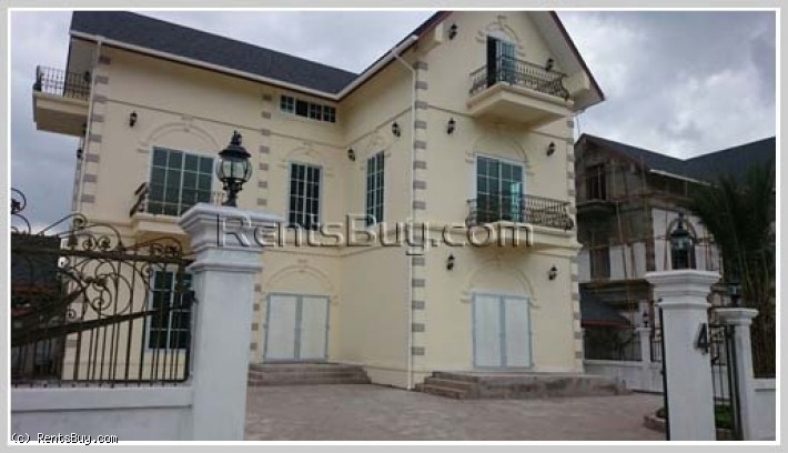 ID: 3295 - French Archetecture House about 2km from Mercure Hotel