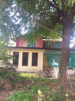 ID: 4606-Wooden house with row house near Setthathirath hospital for sale