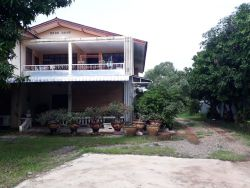 ID: 4526- Nice house near Patuxay in downtown for sale