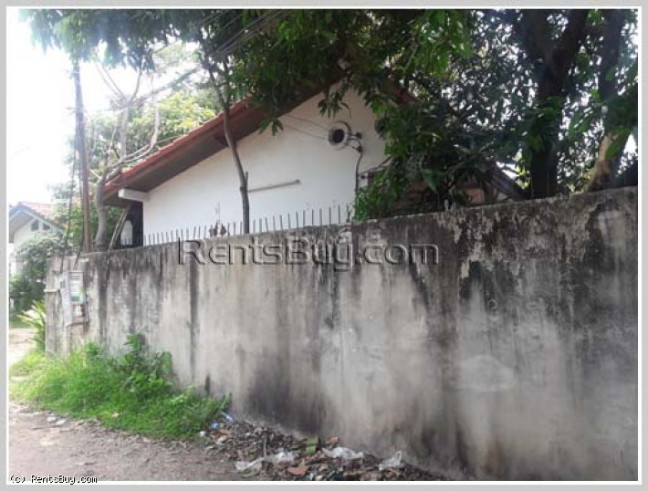 ID: 4020 - Hot sale! 3bedroom House with warehouse on 307 sqm near Patuxay for sale in Saysettha dis