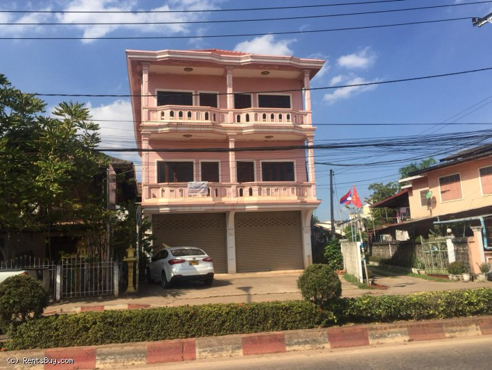 ID: 4304 - Nice shop house for rent near Phontong market