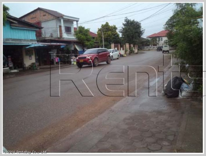 ID: 217 - Nice shophouse by good access near Patuxai