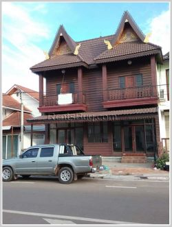 ID: 3269 -Lao style classic house for rent near Thadluang temple