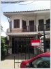 ID: 2600 - Shophouse by main road near Patuxai