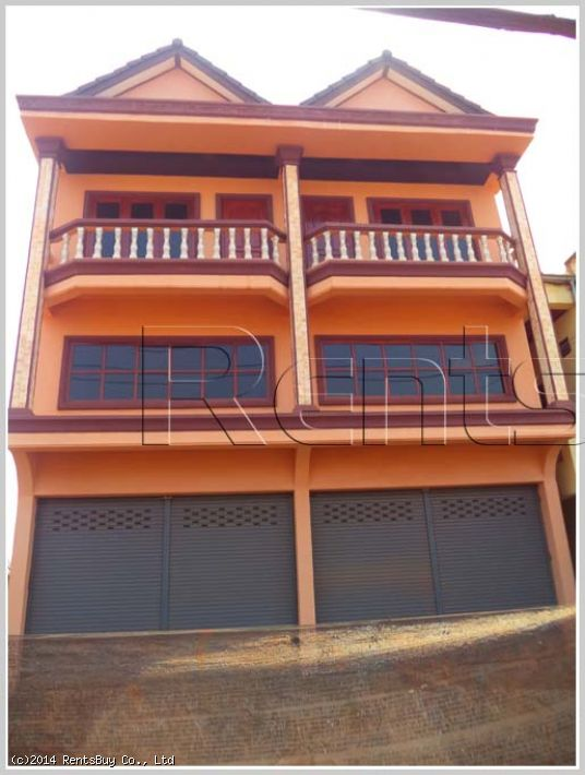 ID: 754 - New Shophouse by main road near Thatluang stupa