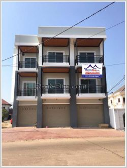 ID: 4252 - Nice shop house near Phontong market and good access for sale