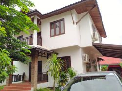 ID: 4536-Lao contemporary house near Suanmone market for rent