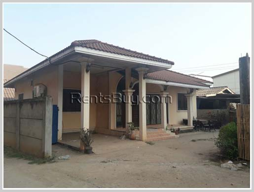 House-for-rent-Chanthabouly-Vientiane-Lao20170221_8648