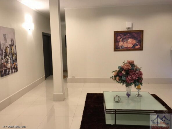 housewithpoolforsale05