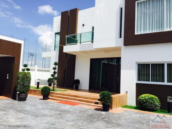 housewithpoolforsale13